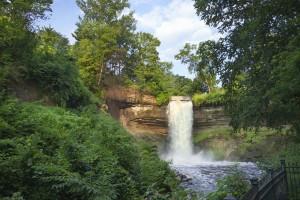 minneapolis waterfall